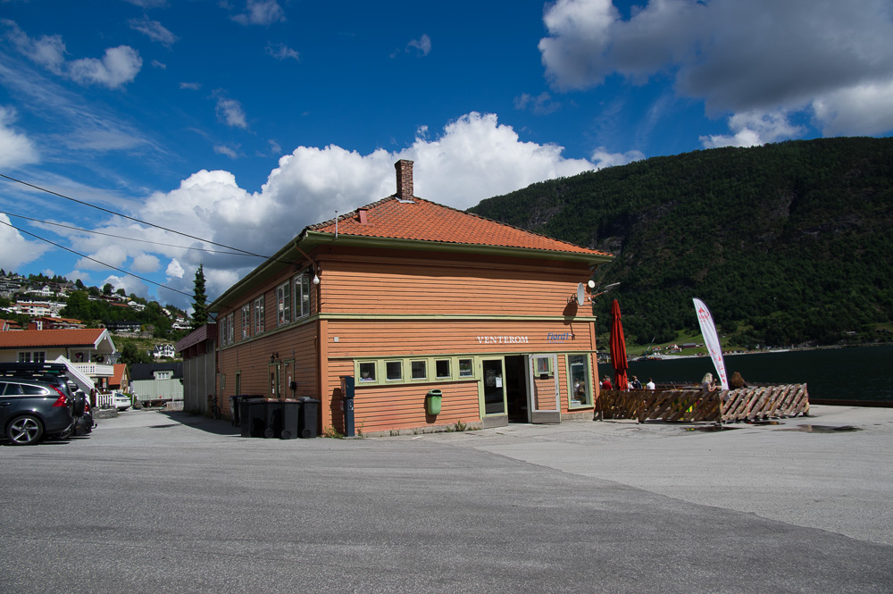 Dampskipskaien i Sogndal slik han framstår i dag.
