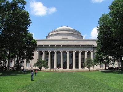 Massachusetts Institute of Technology er kåra til verdas beste universitet. Foto: John Phelan.
