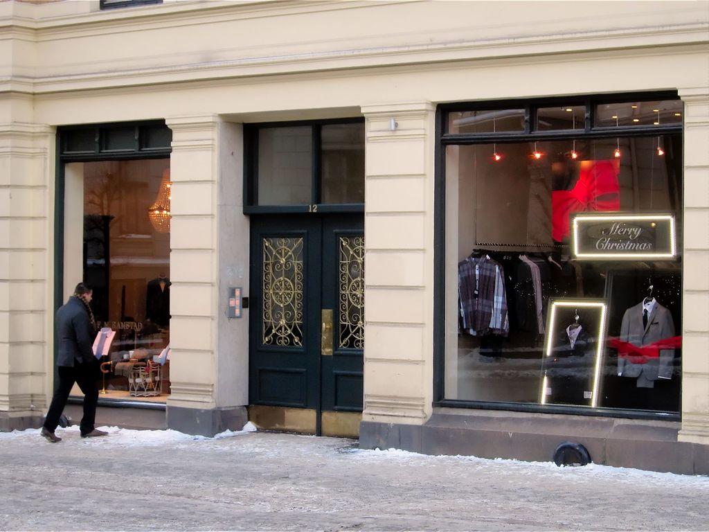 Dei to klesbutikkane i Riddervoldsgate i Oslo, 2010.